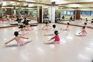 1月10日木曜ルビークラス(3~6才バレエ・歌・読み聞かせ・お話づくり)