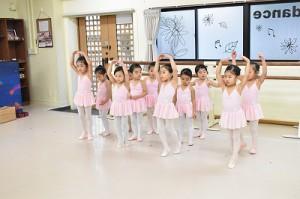 1月11日金曜ルビークラス(3~6才バレエ・歌・読み聞かせ・お話づくり)