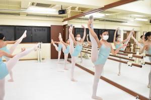 2月28日金曜エメラルド&ガーネットクラス(9歳~15歳クラシックバレエ)